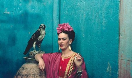Mediado por Izabel Gurgel, grupo de leitura virtual irá debater sobre a relação de Frida Kahlo com a fotografia e as artes visuais
