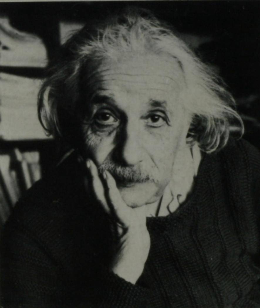 Isso, a teoria publicada pelo físico Albert Einstein em 1915! A que afirmou que o espaço e tempo são maleáveis e flexíveis…
