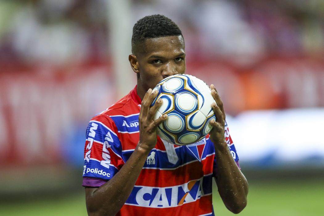 MARCINHO tem contrato com o Internacional e fica no Leão até o fim de 2019