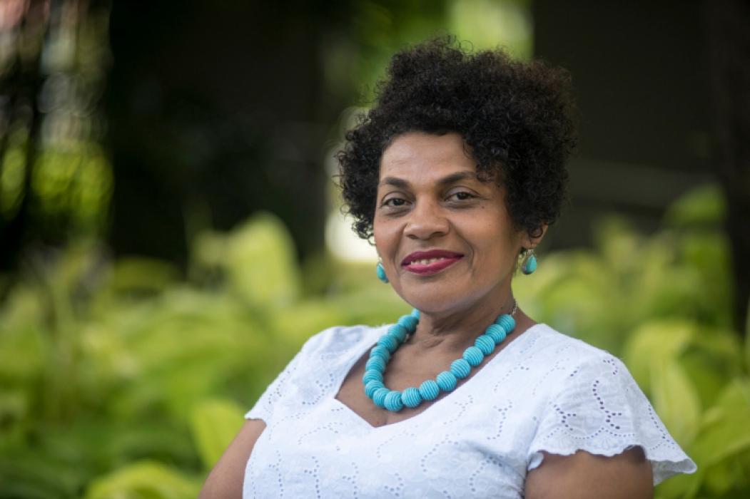 Zelma Madeira, coordenadora Especial de Políticas Públicas para a Promoção da Igualdade Racial e professora do curso de Mestrado em Serviço Social,Trabalho e Questão Social da Uece, comandou a mesa de abertura do curso da SPS (Foto: Arquivo pessoal)