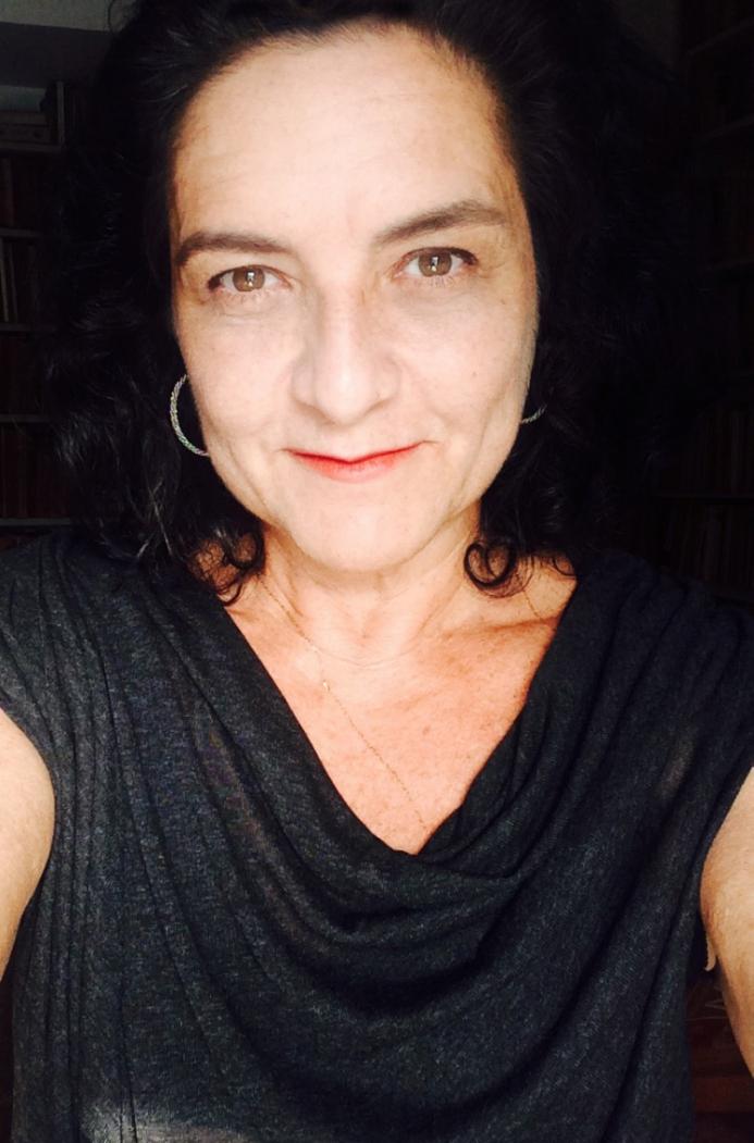 Gal Kury   Consultora de marketing e professora universitária   galkury@galkury.com