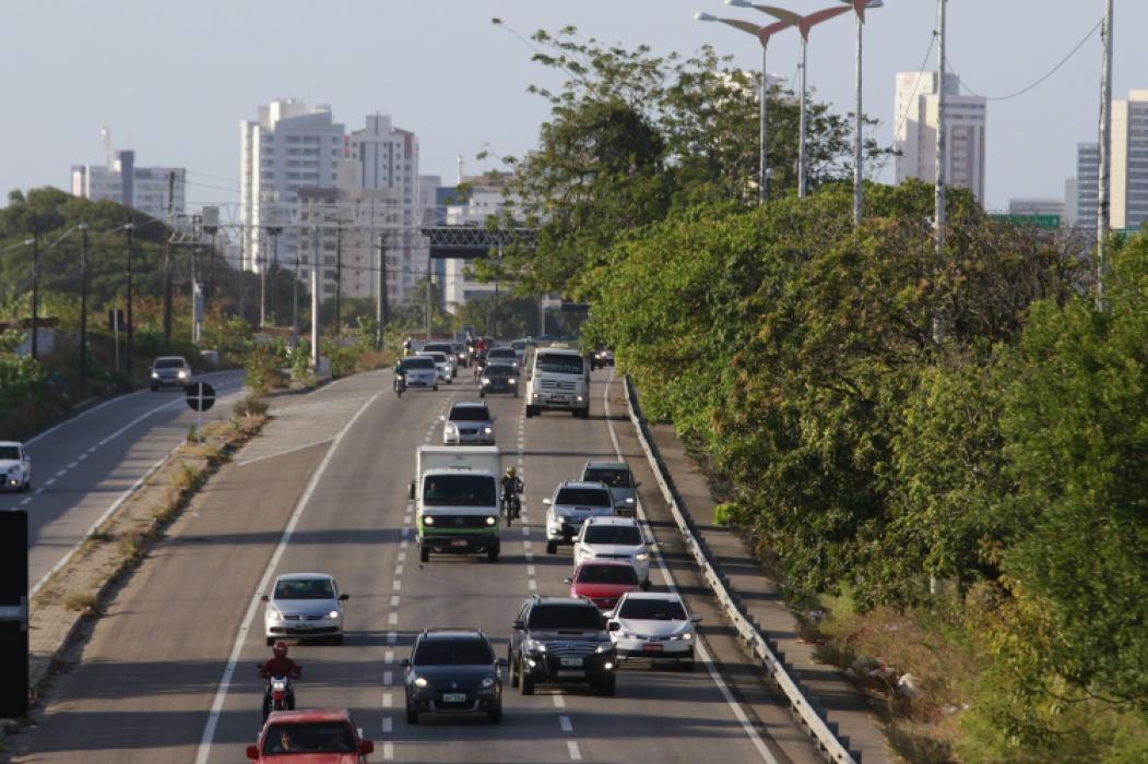 Trânsito na BR-116: com feriado, movimento aumenta e exige mais cuidado dos condutores