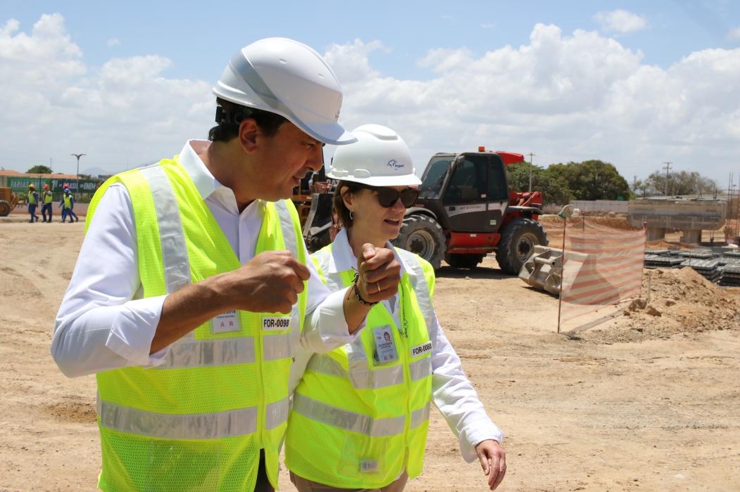: Governador Camilo Santana e a CEO da Fraport, Andreea Pal, visitam obras no Aeroporto Internacional Pinto Martins.