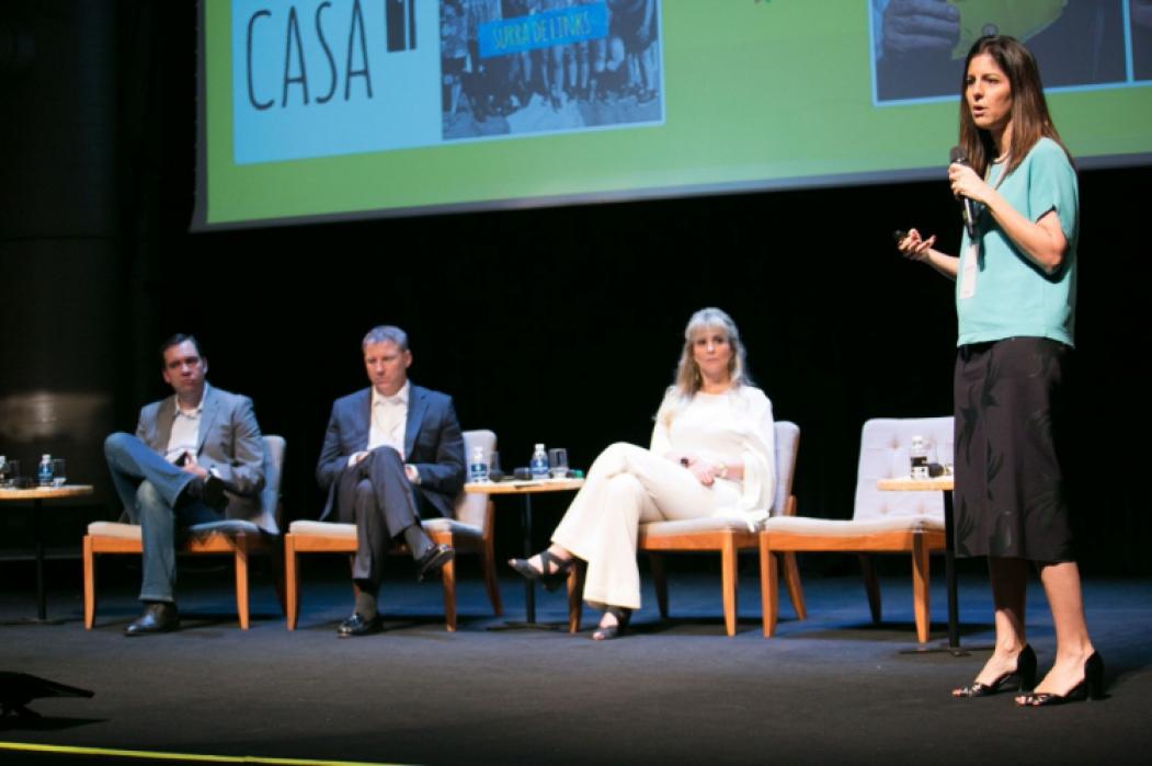 Paula Lindenderg da Ambev traz exemplos de mudança nos comerciais da Skol para o público feminino
