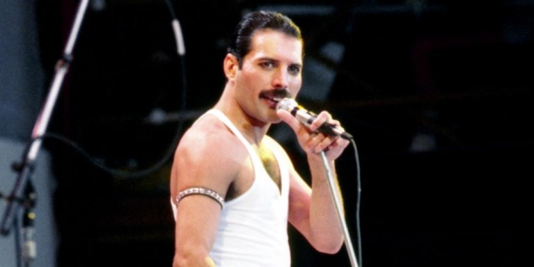 Freddie Mercury, do Queen, fez uma performance no Live Aid