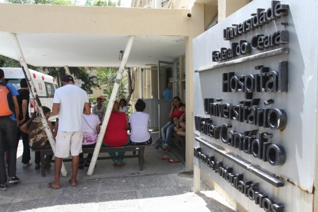 Fachada do Hospital Universitário Walter Cantídio, pertencente ao Complexo Hospitalar da Universidade Federal do Ceará