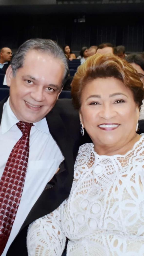 Referenciais em humanidade e competência  no Ceará, Celia Cirino e Juvêncio Paiva Câmara, jalecos mais que cativos de minha gratidão