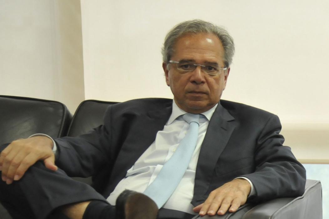 ? Paulo Guedes, superministro de uma área que o presidente admite não conhecer, mas que não pode ignorar