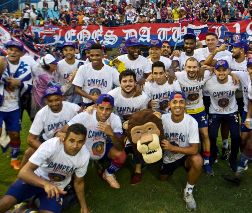 ?ELENCO do Fortaleza comemora o título em Florianópolis