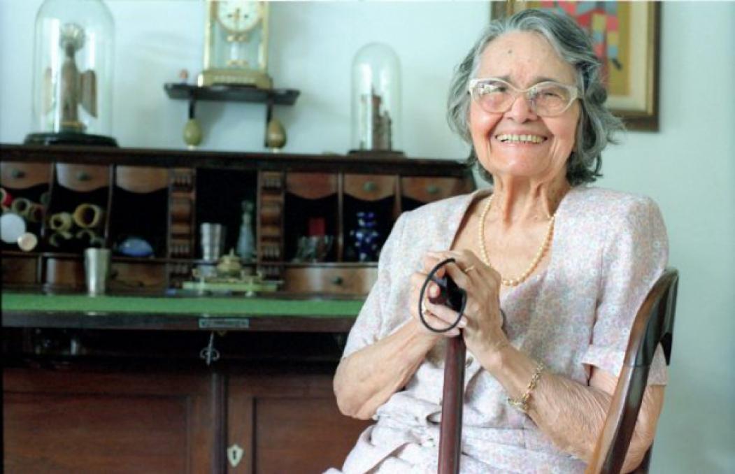 Escritora cearense Rachel de Queiroz em 5/11/2000, três anos antes de sua morte, ocorrida em novembro de 2003