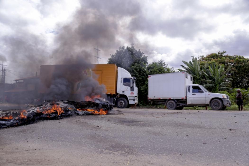 Paralisação dos caminhoneiros próximo à Ceasa do Ceará, na BR-116, em maio de 2019 (Foto: AURELIO ALVES)