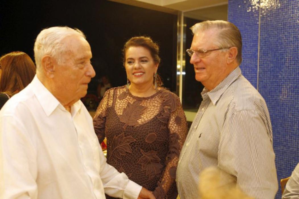 Adauto Bezerra e Silvana com o general Théo Basto