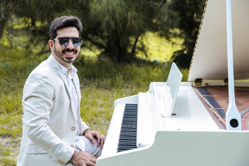 Felipe Adjafre (pianista)