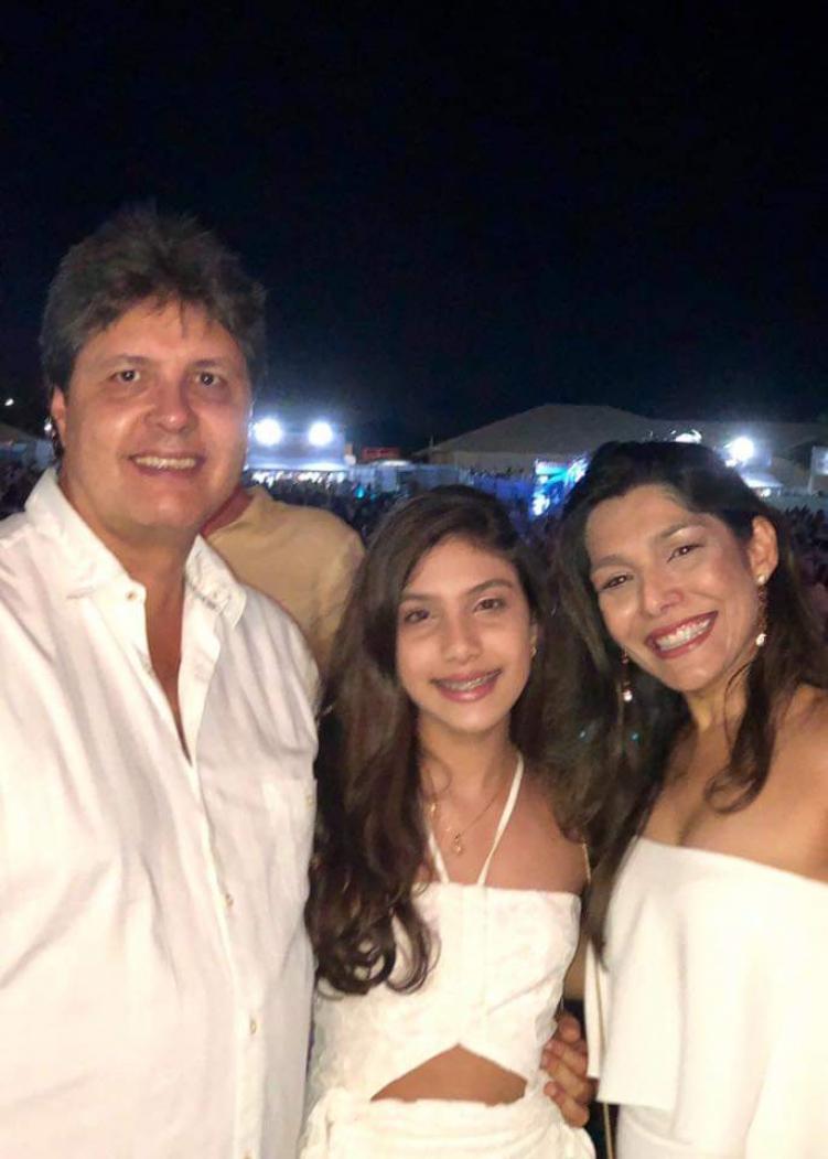 Marcus Veríssimo d'Oliveira  com Maria Clara e Vanessa