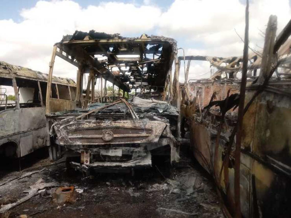 VEÍCULOS da frota de Ibaretama  foram incendiados