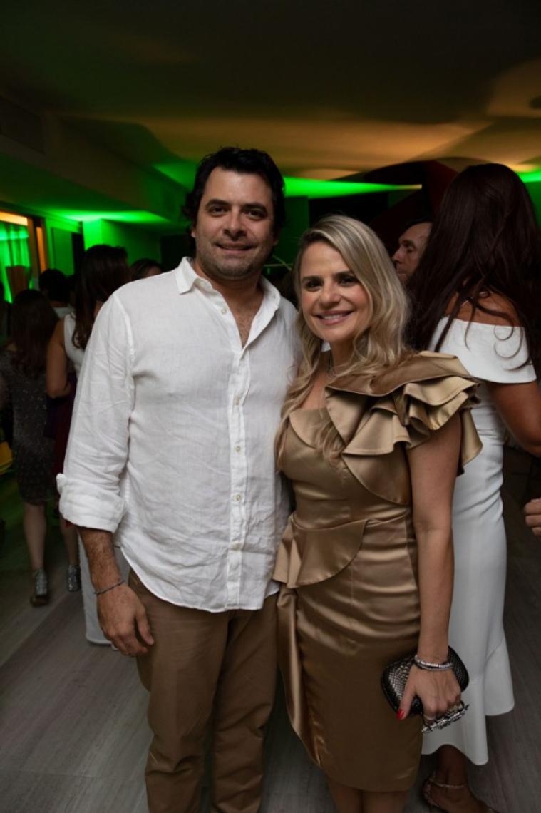Thiago Moreira e Michelle Rôla