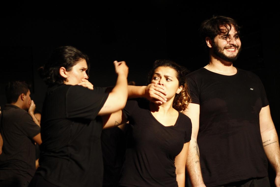 Curso Livre de Práticas Teatrais (CLPT)