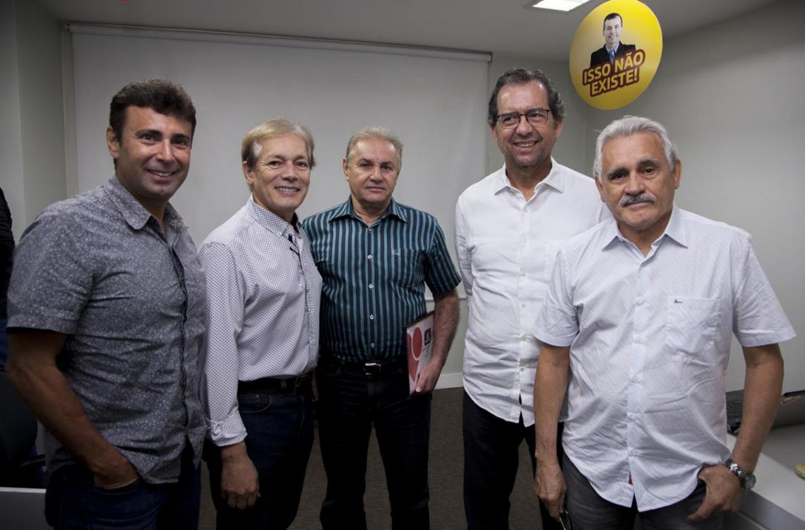 Marcos Novaes, Otacílio Valente, Geraldo Aragão, Aristarco Sobreira e Emanuel Capistrano na sede da Lopes Immobilis