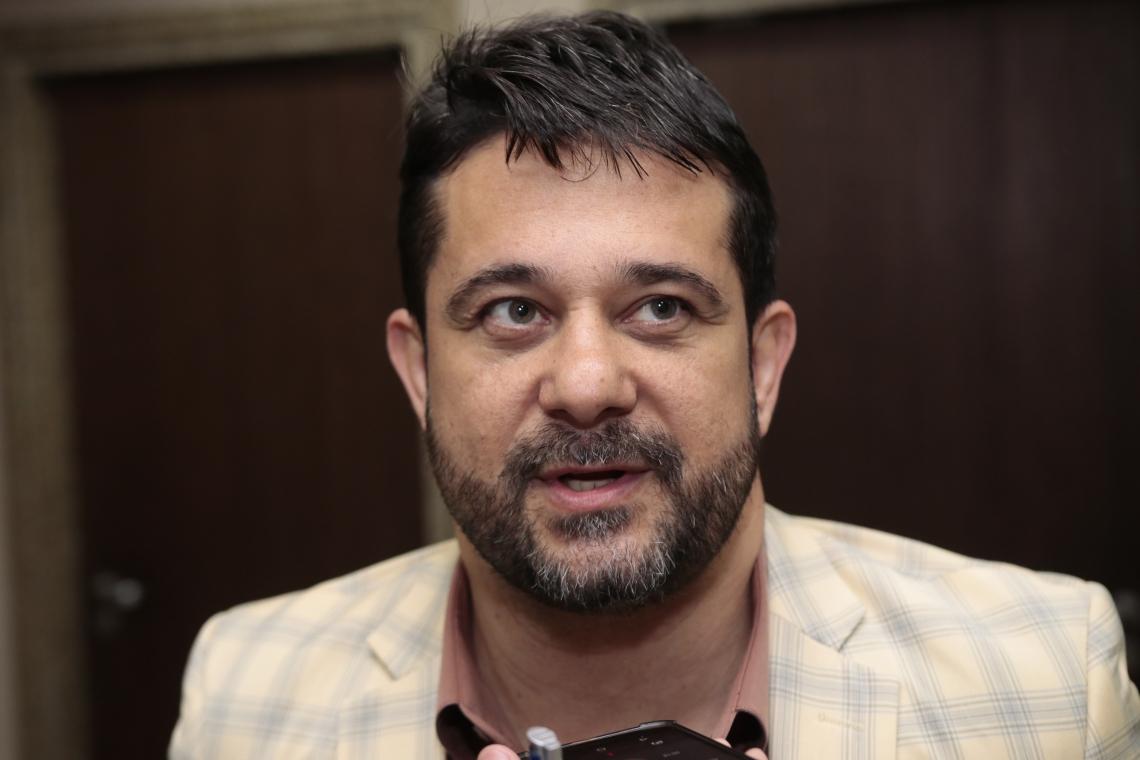 Apóstolo Luiz Henrique é autor da lei contra