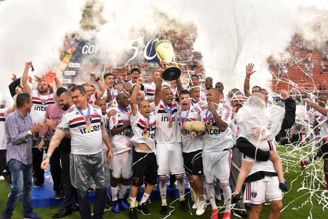 TRICOLOR Paulista venceu o Vasco no estádio Pacaembu