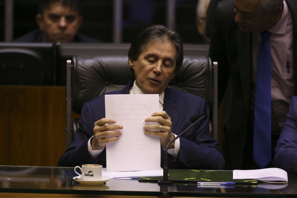EUNÍCIO OLIVEIRA não se reelegeu e perderá foro privilegiado de senador