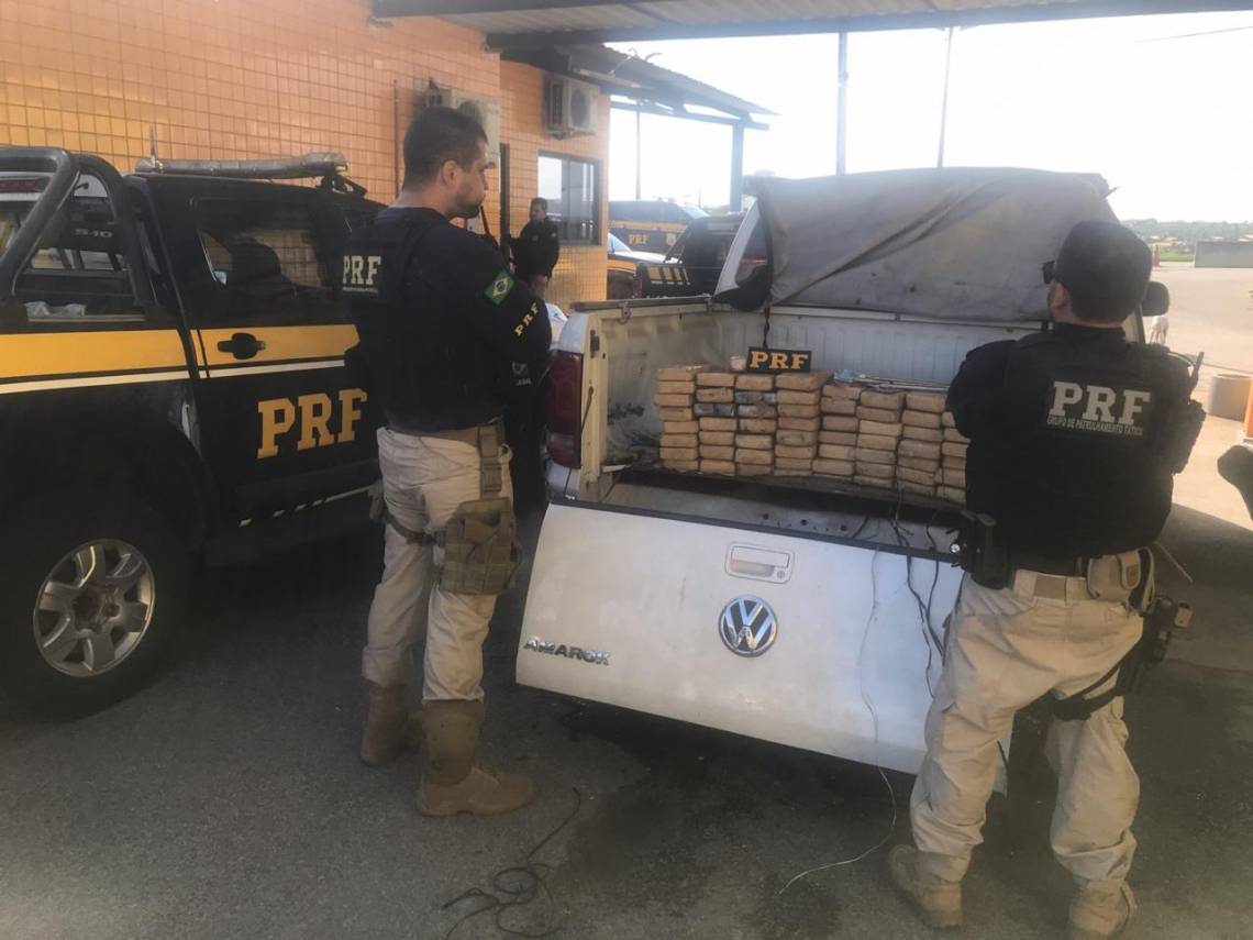 PRF e PF apreenderam 60 kg de cocaína em Caridade. (Foto: divulgação/PRF)