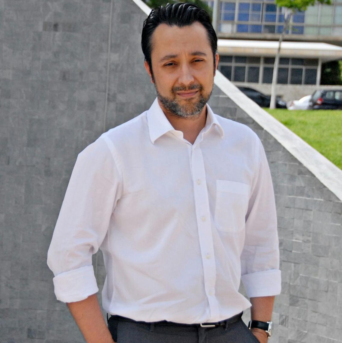 Dawisson Belém Lopes  Professor de política internacional da UFMG e autor de