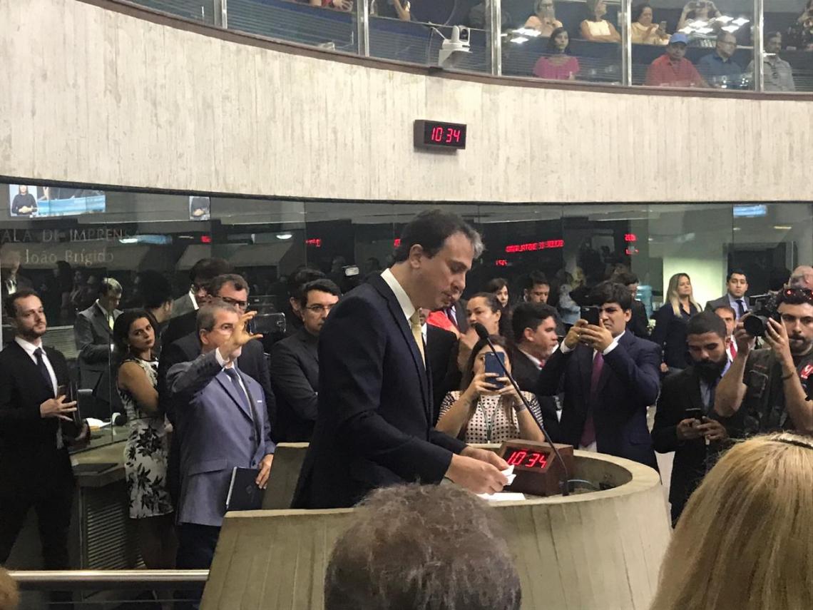 Camilo Santana participou da primeira sessão legislativa na Assembleia, nesta terça-feira (Foto: Germana Pinheiro/Rádio O POVO CBN)