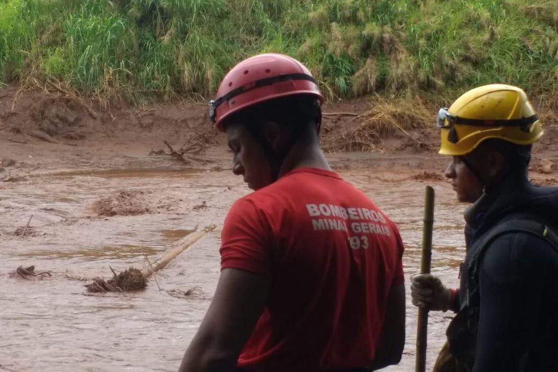 A tragédia causada pelo rompimento da barragem da Mina Córrego do Feijão, em Brumadinho, a 57 quilômetros de Belo Horizonte, completa hoje, 6, 13 dias de buscas.