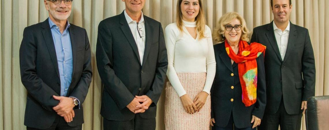 Primeira dama do Ceará, Onélia Santana, manteve reunião com integrantes da Air France-KLM, na América Latina.