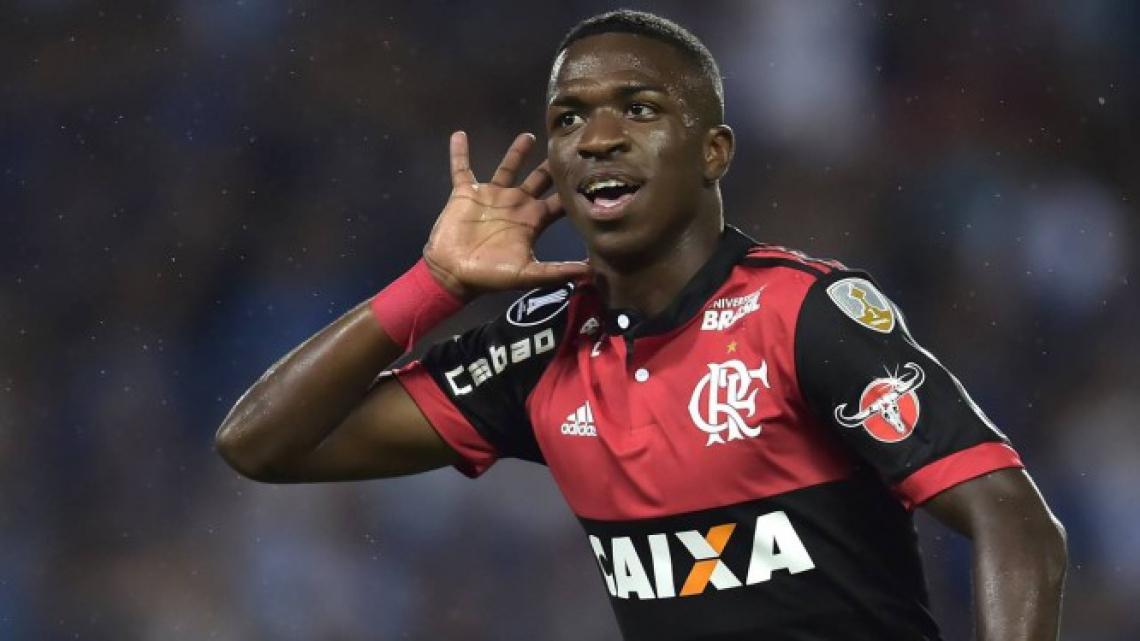 Vinícius Júnior deixou o Flamengo na metade do ano passado