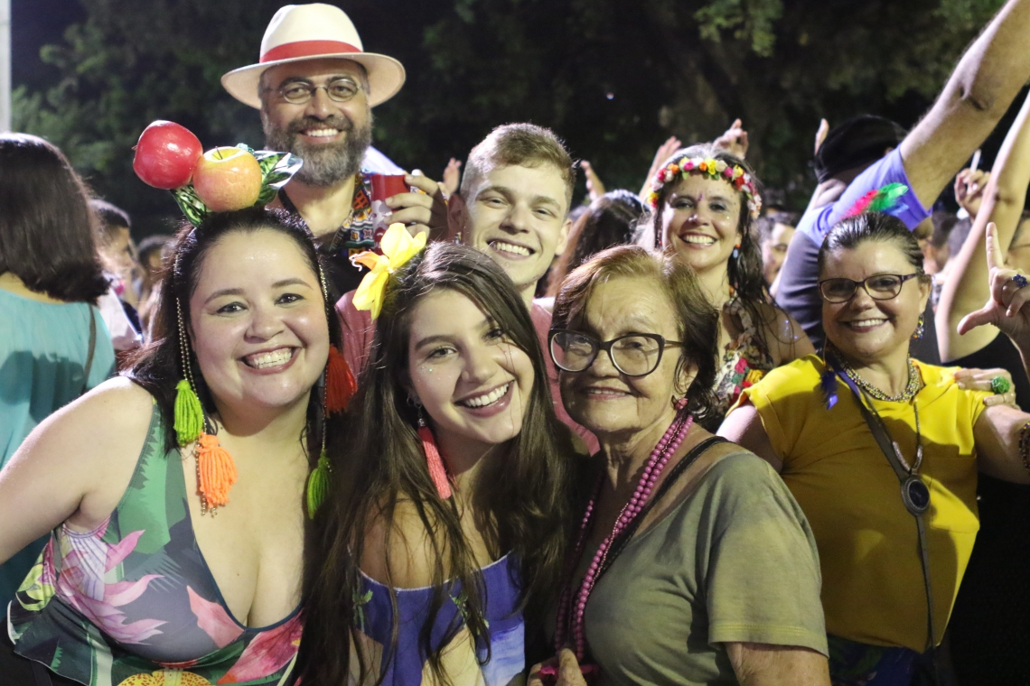 Segundo fim de semana do Ciclo Carnavalesco de Fortaleza anima e enamora foliões na Praça da Gentilândia (Foto: Fabio Lima/ O POVO)