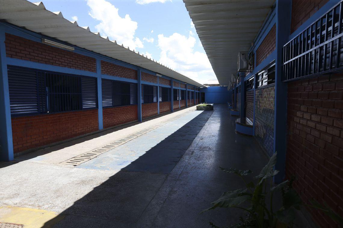 Governo do DF implanta projeto de ensino militar para os estudantes do ensino fundamental e médio em quatro escolas públicas do DF. Na foto, o Centro Educacional (CED) 308 do Recanto das Emas
