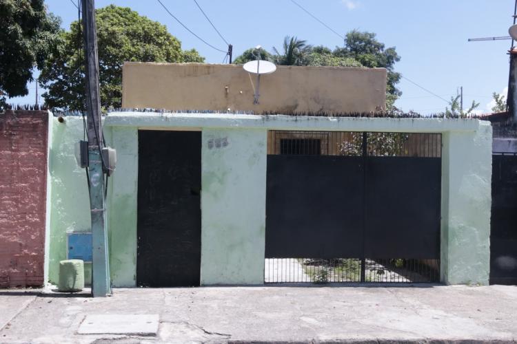 Casa usada como gráfica nas eleições, no bairro Vila Pery (Foto: Gustavo Simão/Especial para o POVO)