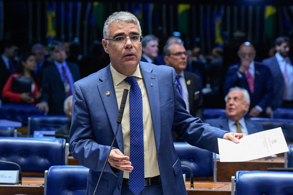 SENADOR Eduardo Girão deixa ramo de segurança armada