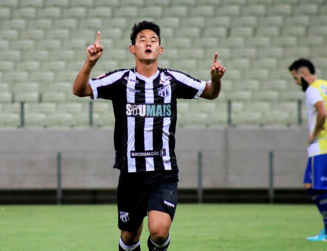 Chico marcou um belo gol e selou a vitória do Alvinegro.