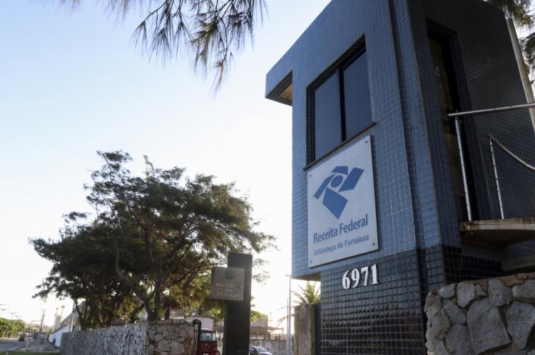Bolsonaro estaria pressionando a Receita Federal a perdoar dívidas de igreja evangélica