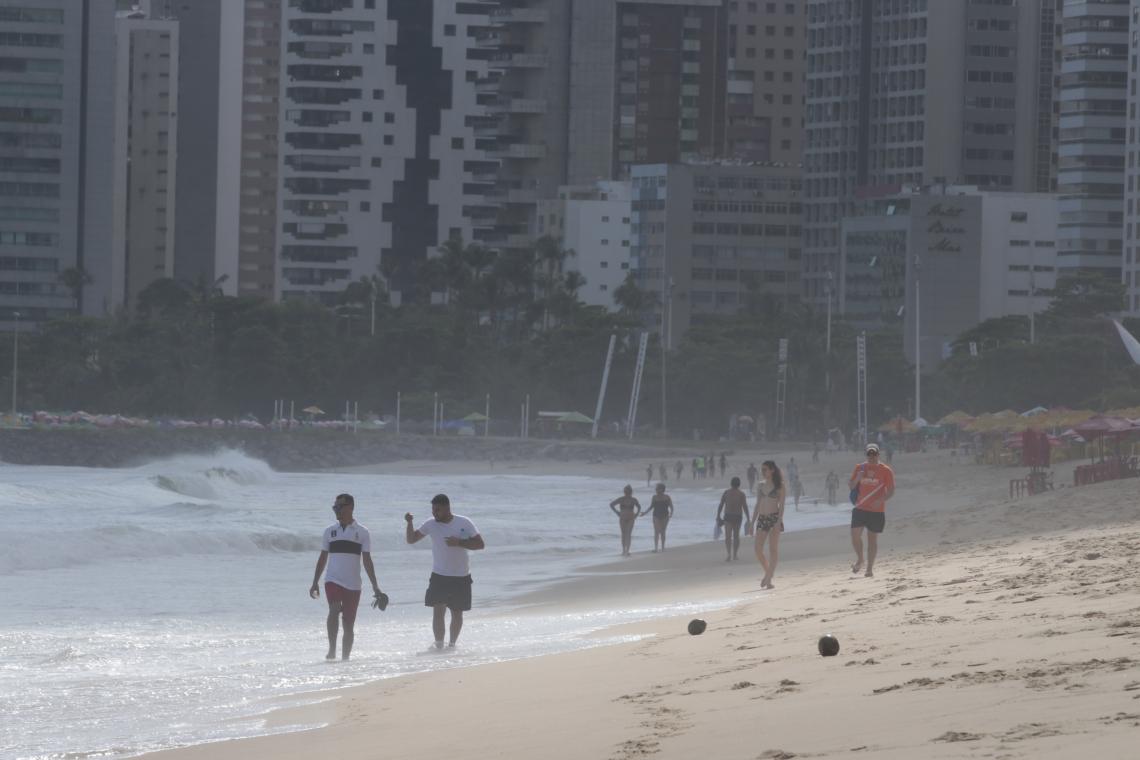 Cearenses poderão curtir três feriados no intervalo de 31 dias nas praias de Fortaleza