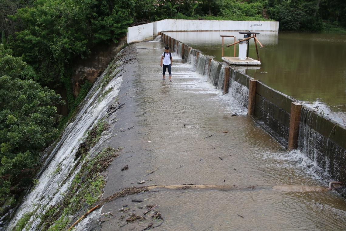 A barragem Tijuquinha sangrou no dia 19 de fevereiro (Foto: Fabio Lima/O POVO)