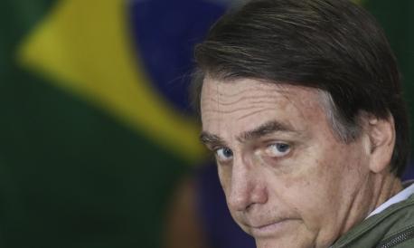 O presidente Jair Bolsonaro usou o Twiiter para ironizar pesquisa divulgada neste domingo, 7.