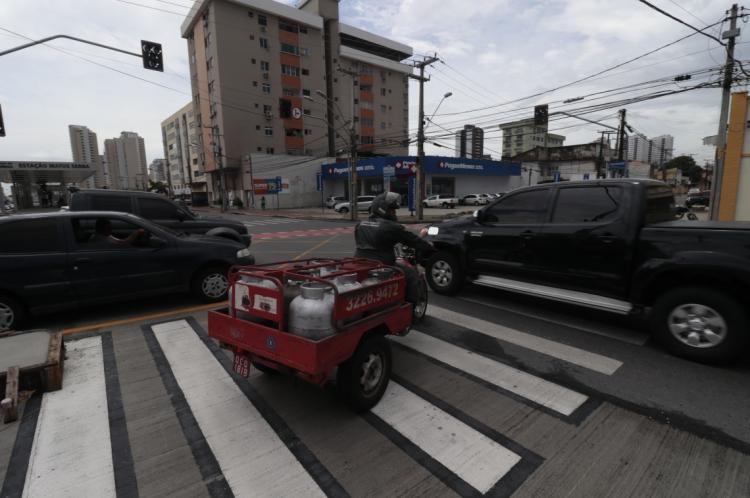 SEMÁFOROS apagados foram transtorno para quem trafegava pela Aguanambi