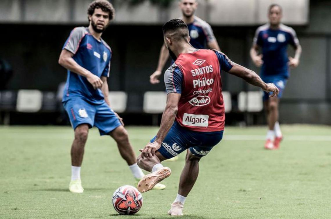 Felipe Jonatan em seu primeiro treino no Santos | Foto: Ivan Storti/Santos FC