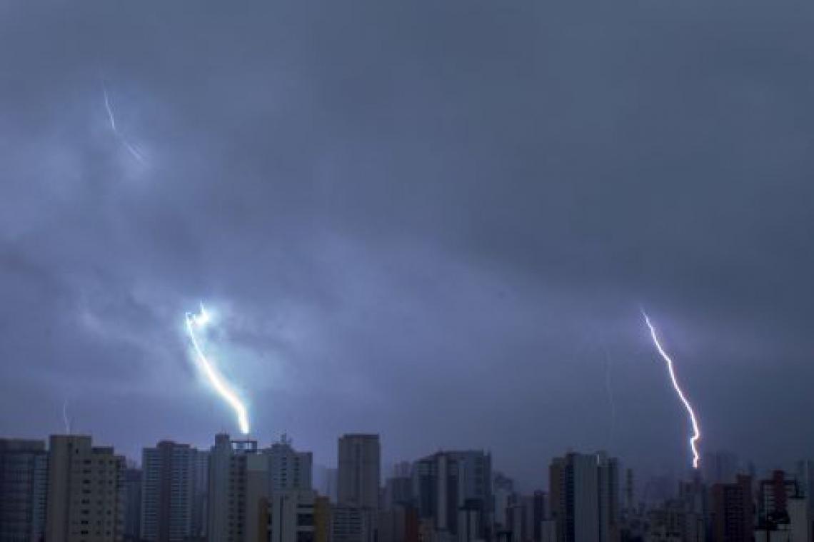 Brasil é líder mundial em registros de raios com uma média de 77,8 milhões de raios por ano