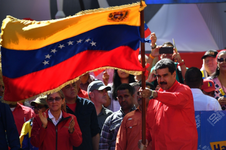 Nicolás Maduro está no poder porque tem militares ao seu lado
