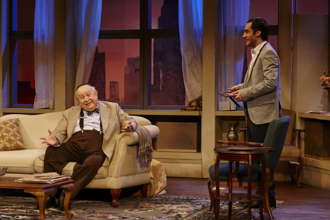 Sergio Mamberti e Ricardo Gelli protagonizam o espetáculo (Foto: Ale Canta/Divulgação)