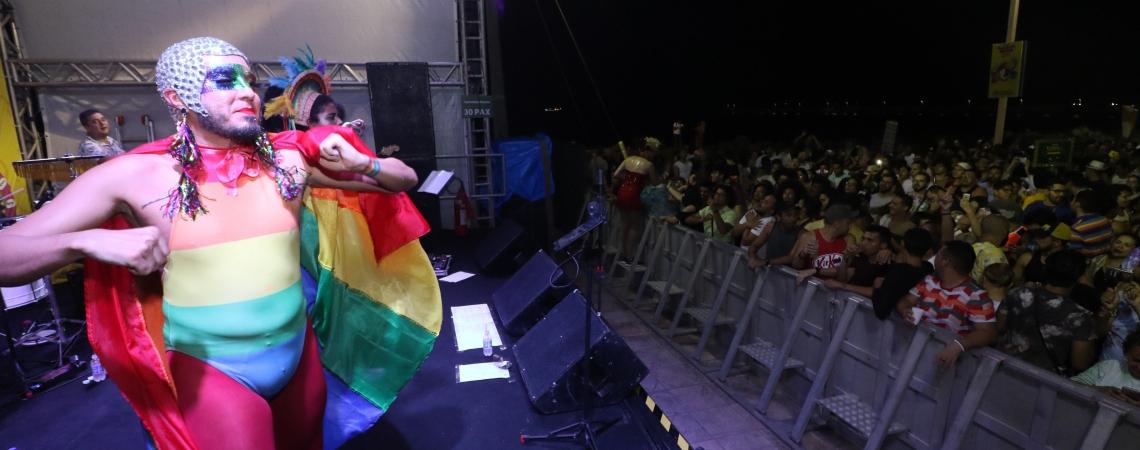 O Bloco das Travestidas é atração no Carnaval de Fortaleza (Foto: Mateus Dantas / O POVO)