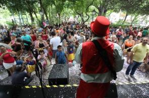 Carnaval no Passeio Público. (Foto: Mauri Melo/O POVO).