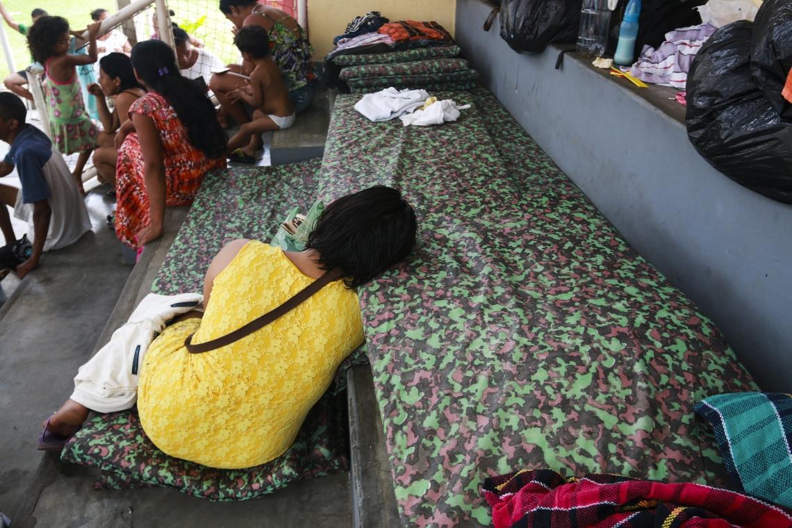 Cerca de 26 familias que ficaram desabrigadas com a chuva, estão ocupando o ginásio do Cuca Jangurussu