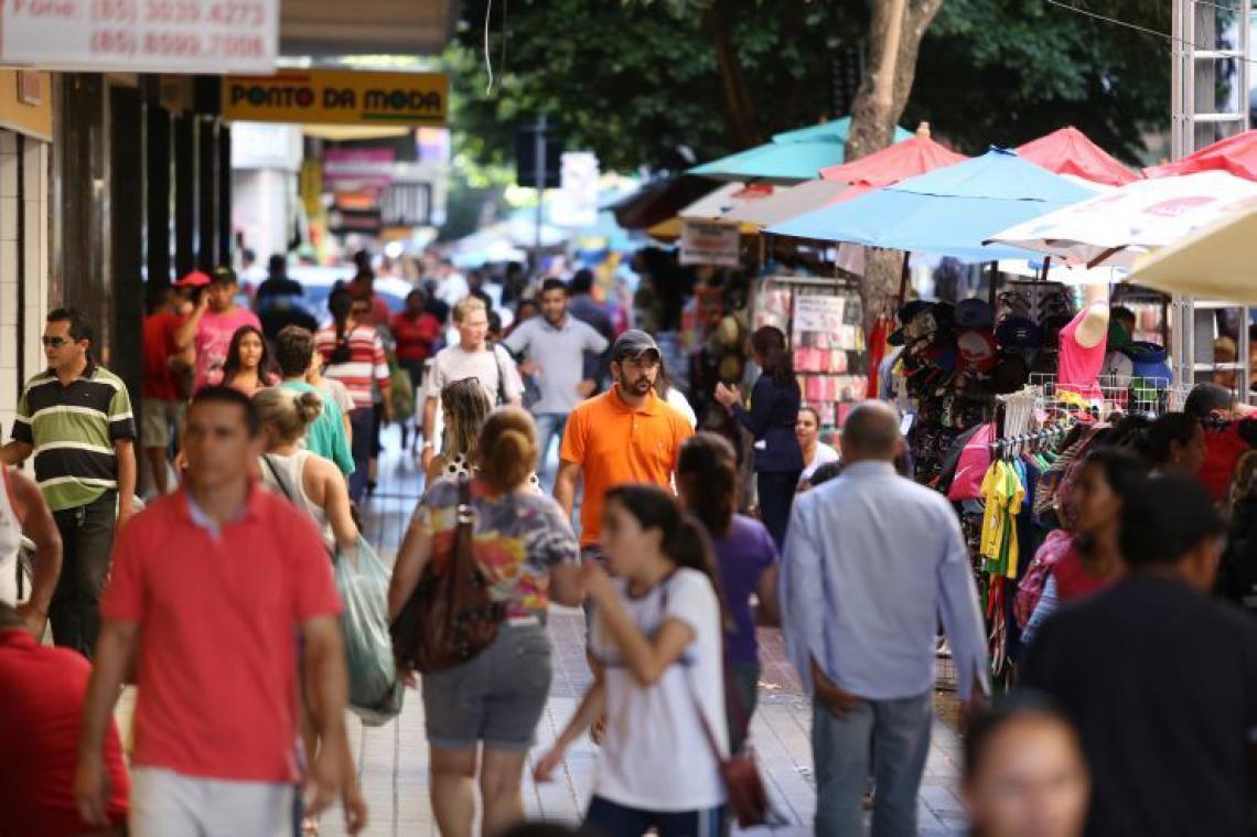 Centro de Fortaleza tem horário diferenciado durante o feriado de Carnaval ( Foto: Fabio Lima / O POVO)