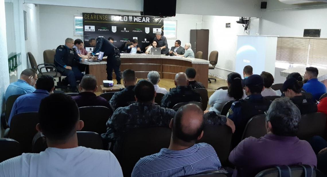 Reunião de providências para o Clássico-Rei, na sede da FCF. Foto: FCF/Divulgação